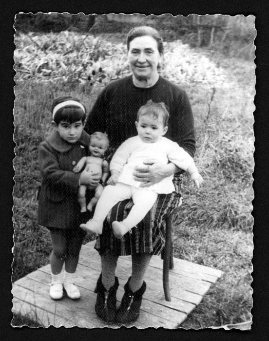 Recordatorio de Merceditas en Castro del Condado para su madre emigrada en Venezuela III