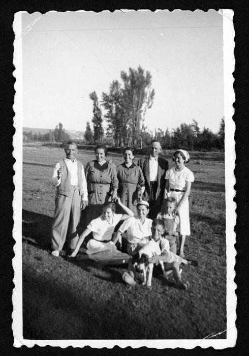 Grupo de personas en el Soto de Barrillos de Curueño