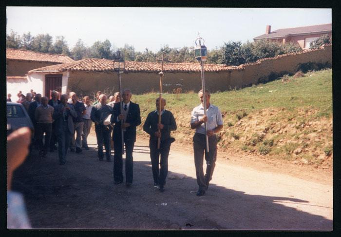 Procesión de la fiesta de San Miguel en Castro del Condado