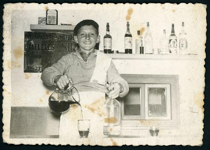 Roberto Honrado en la fonda familiar en Ambasaguas de Curueño