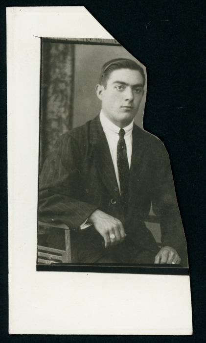 Retrato de estudio recortado de Sebastián Honrado
