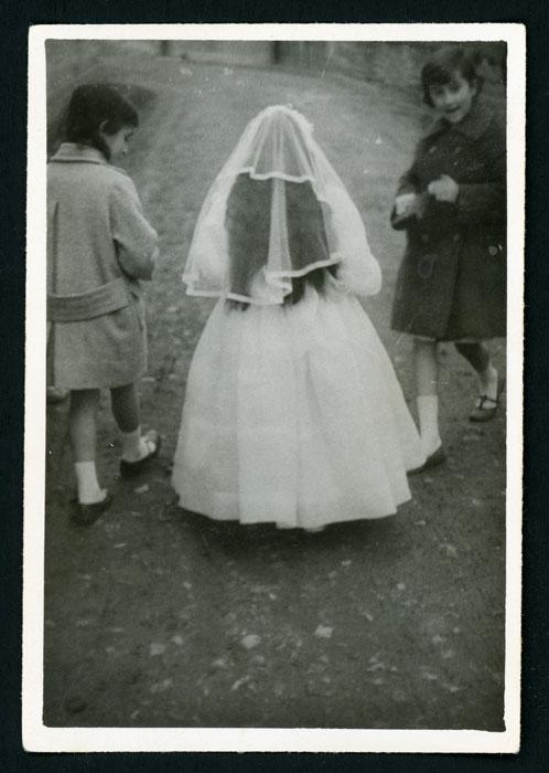 Primera comunión de la hermana de Mª Rosa Martínez (Nena) en Barrio de Nuestra Señora II