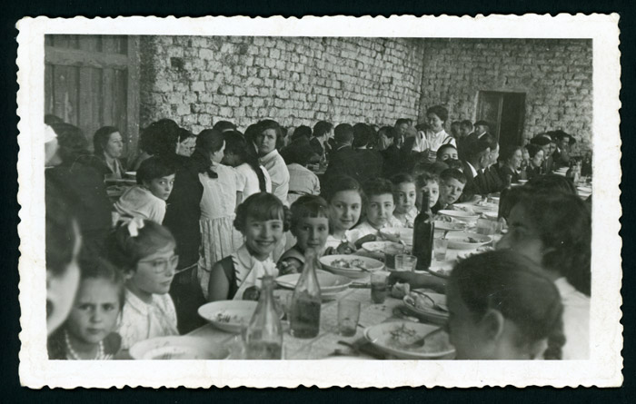 Comida en un cantamisas en Barrio de Nuestra Señora