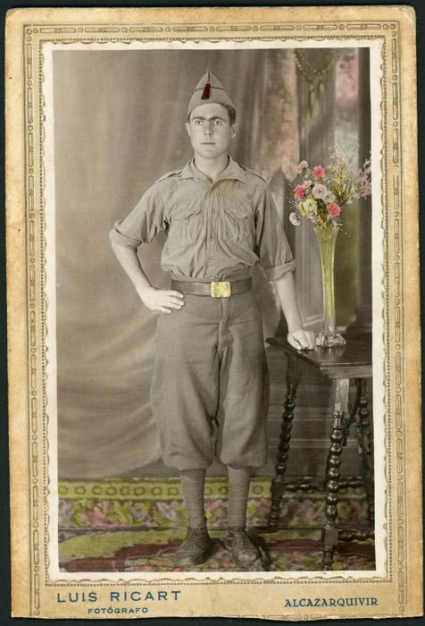 Retrato de Eladio Díez vestido de militar