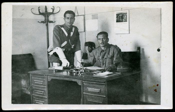 Abel Escapa en un despacho militar