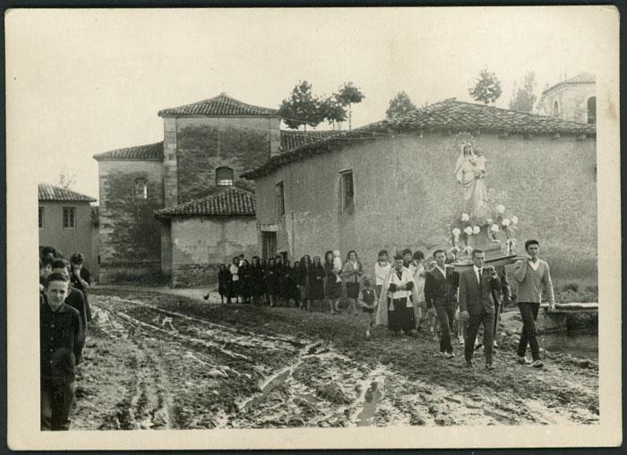 Procesión de la Virgen de Mayo en Cerezales del Condado