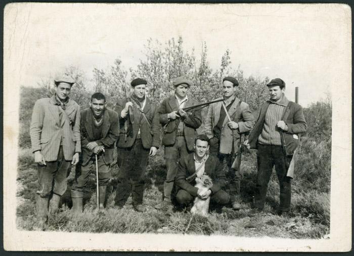 Grupo de cazadores de Cerezales del Condado, Barrio de Nuestra Señora y Ambasaguas de Curueño