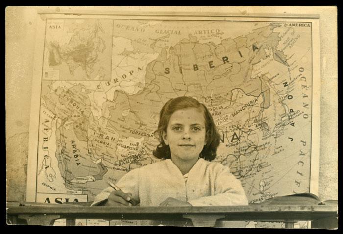 Yolanda de la Varga en la escuela de Cerezales del Condado