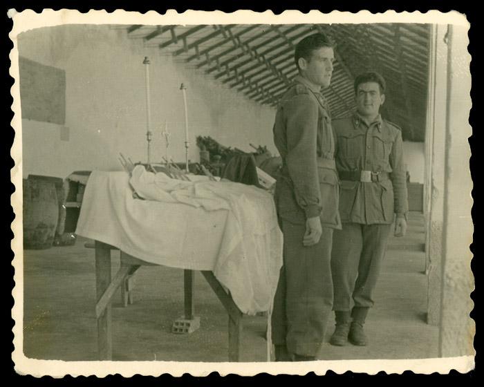 Antonio González durante el servicio militar en Melilla.