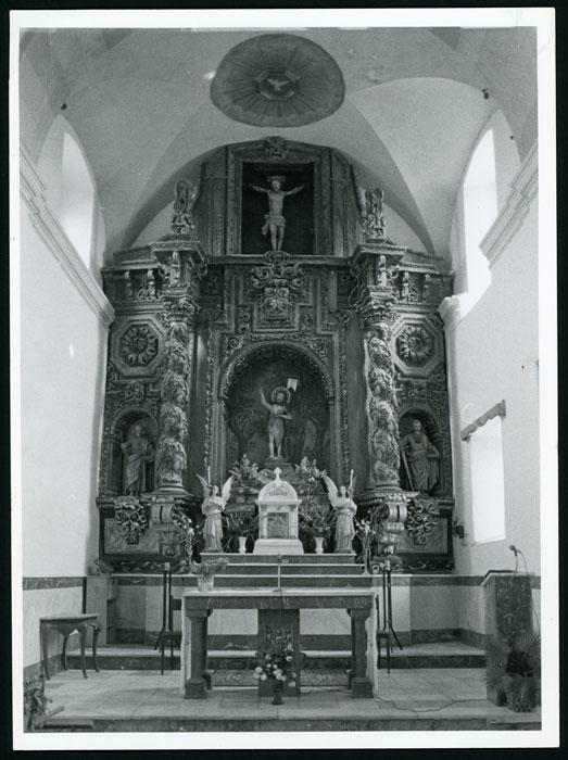 Altar mayor de la iglesia de Cerezales del Condado