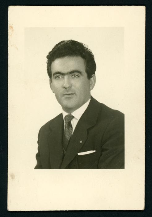 Retrato de estudio de Antonio González Mirantes