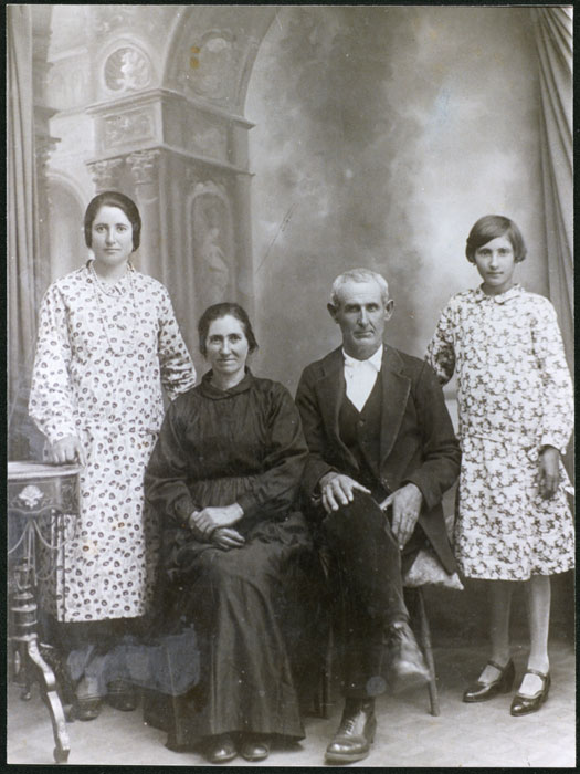Retrato de estudio de la familia Díez Ferreras