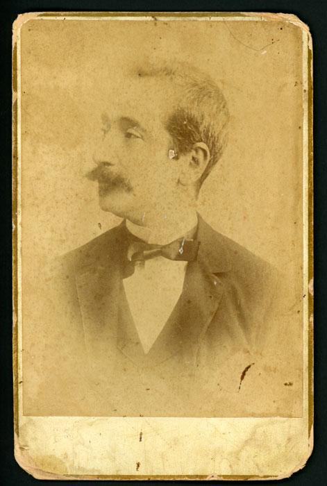 Retrato de estudio de José Arroyo