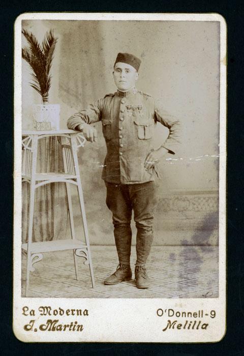 Retrato de Conrado Gago de militar en Melilla