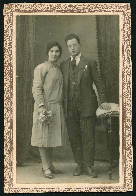 Fotografía de estudio de la boda de Felipe Castro y Cayetana Robles en León