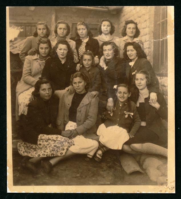 Grupo de chicas en Ambasaguas de Curueño
