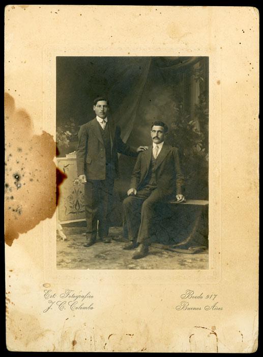 Fotografía de estudio de dos hombres en Buenos Aires II