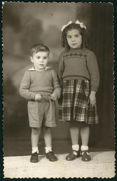 Retrato de estudio de Luci y Balbino de la Puente en Argentina