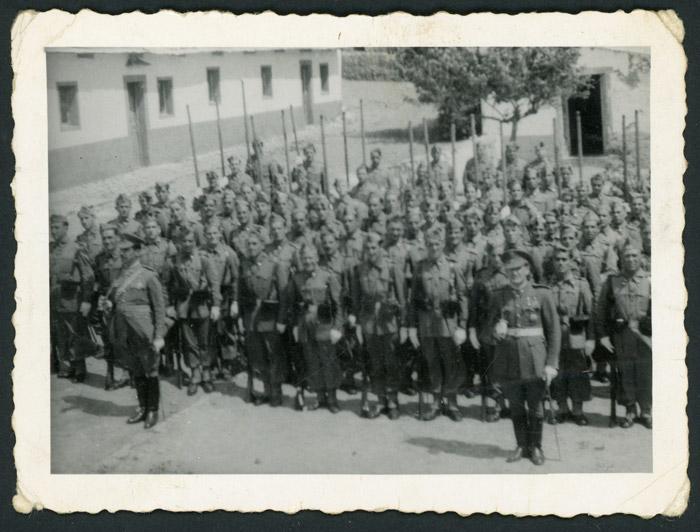 Grupo de militares formando en Marruecos