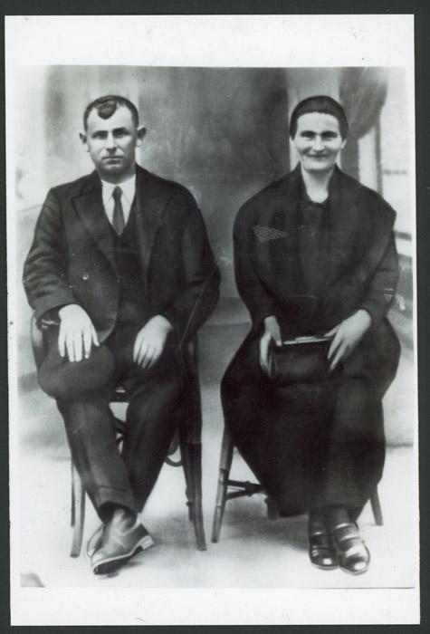 Retrato de estudio de Ángel Manzano y Secundina Robles