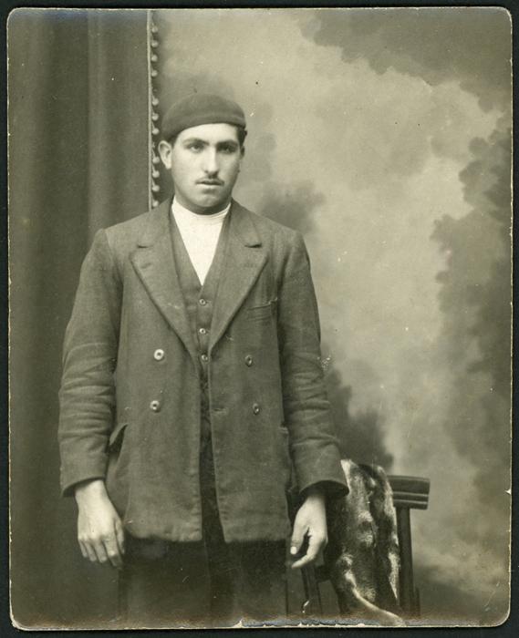 Retrato de estudio de un hombre