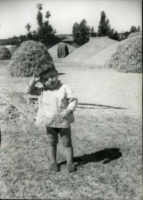 Roberto Fernández en la era de Cerezales del Condado