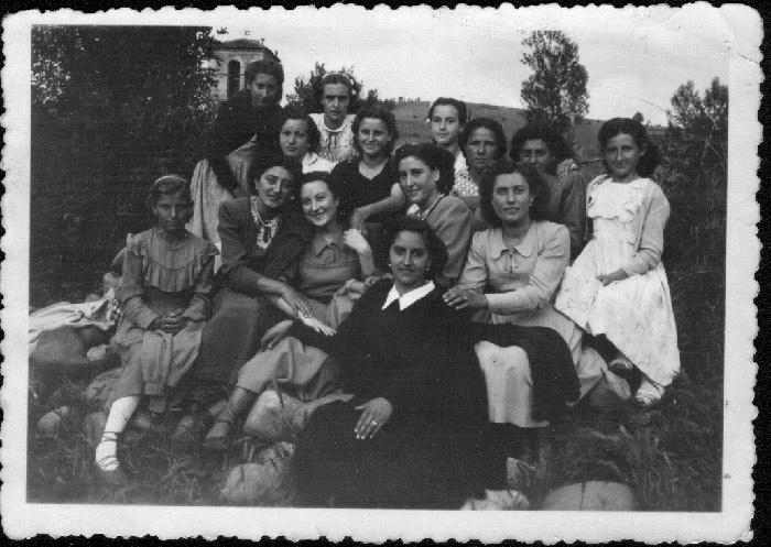 Grupo de chicas en Cerezales del Condado