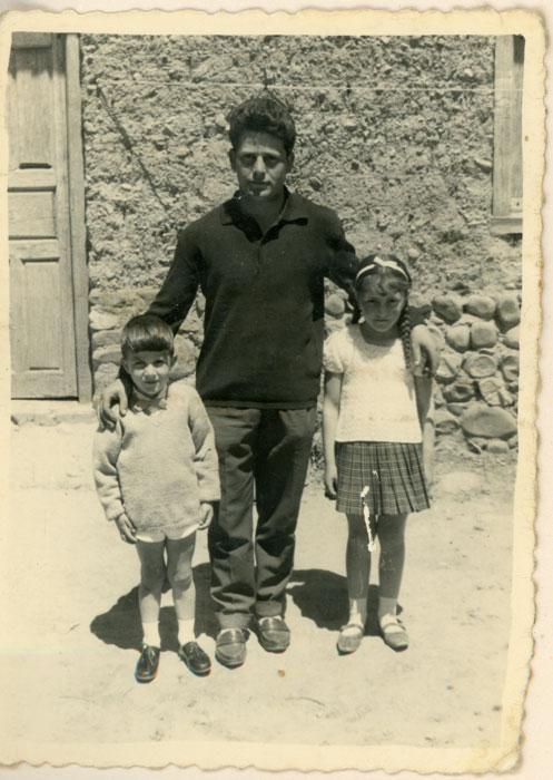 Nani González con Aidé y Florentino Gutiérrez en Cerezales del Condado