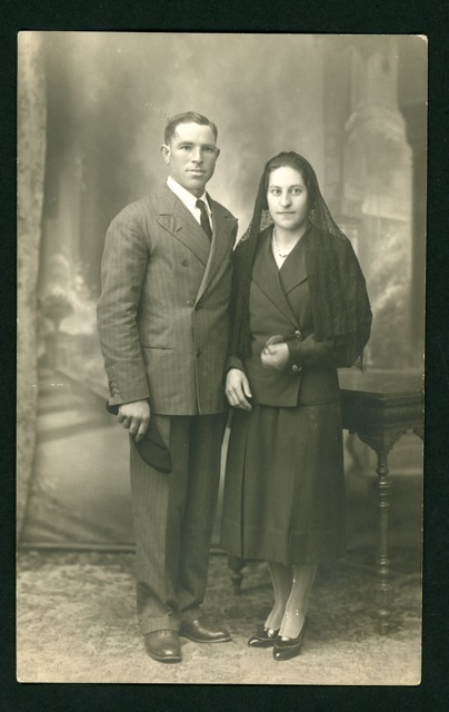 Fotografía de estudio de la boda de Bonifacio Aller y Antonia Castro en León