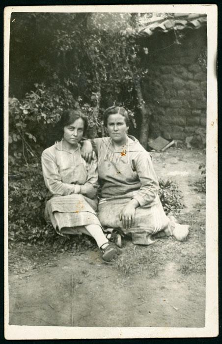 Retrato de Fructosa González y Manuela Cascón