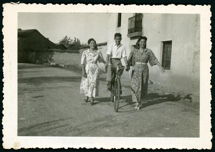 Mª Antonia, Tere y Lauren García en Ambasaguas de Curueño