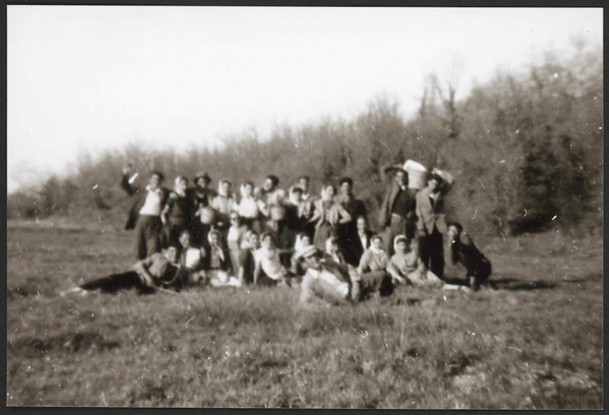Juventud de Lugán de merienda en Valderrodezno