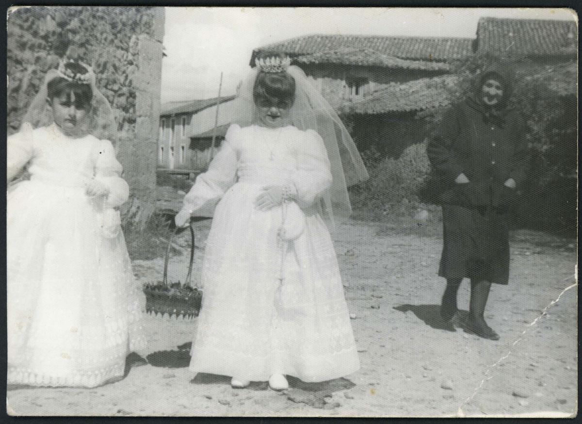 Ana Campillo y Olga García en día del Corpus