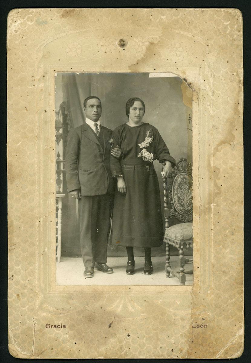 Santiago Aller y Elvira Martinez el día de su boda