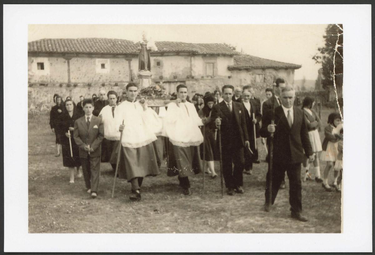 Procesión de San Antonio en Lugán