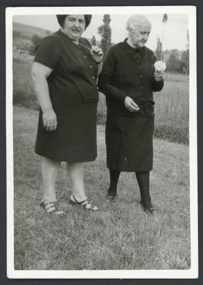 Retrato de Inocencia Robles y María Campillo