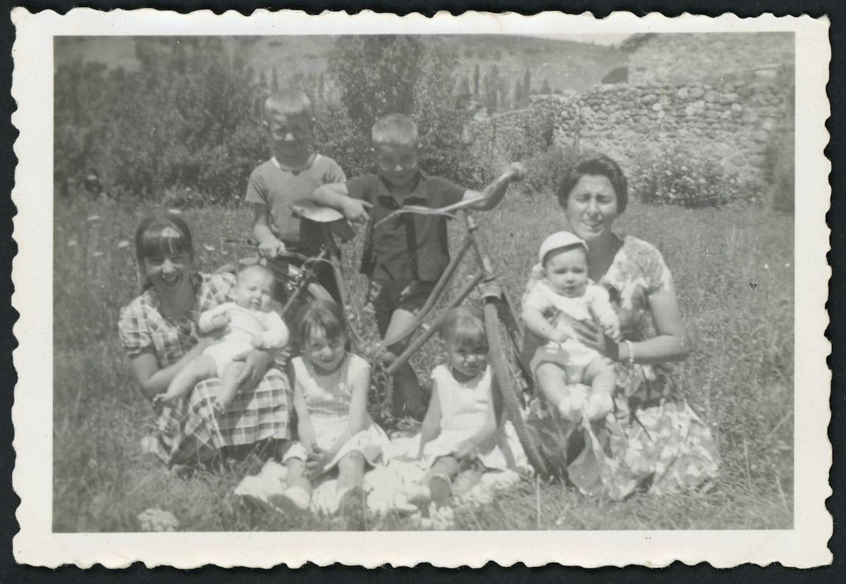 Familia Blanco Campillo y amigos con bicicleta