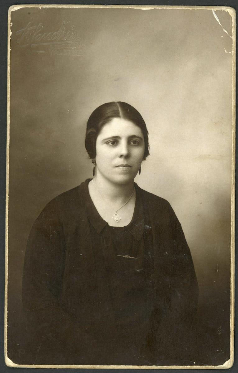 Retrato de Teófila Sánchez en Valencia