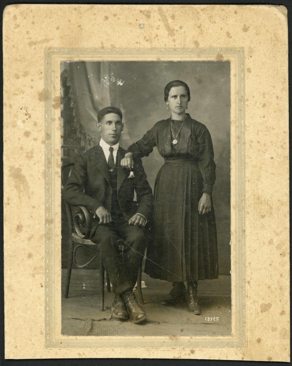 Retrato de boda de Adolfo Gutiérrez y Adela Viejo