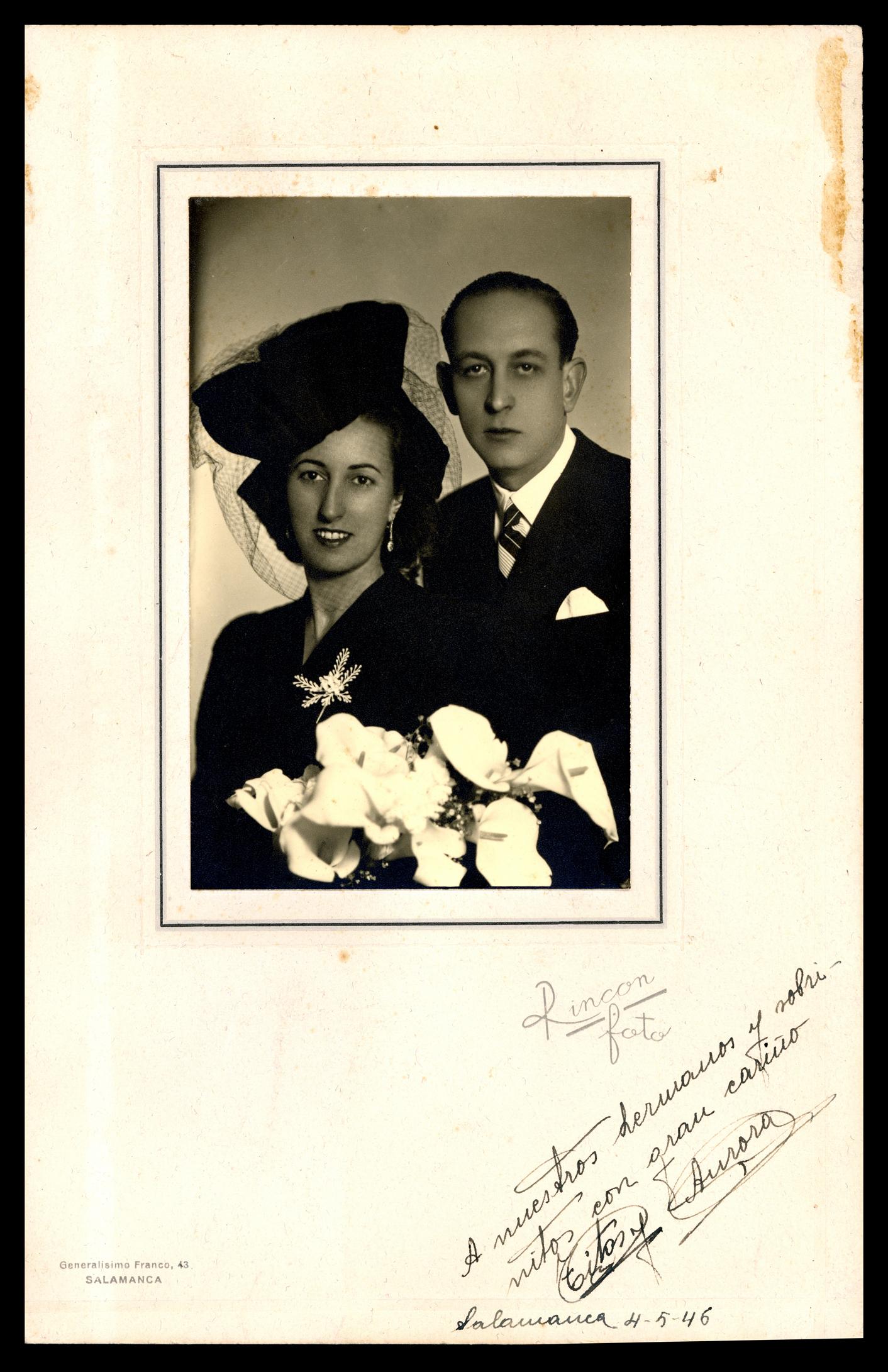 Fotografía de estudio de la boda de Norberto Hernández y Aurora