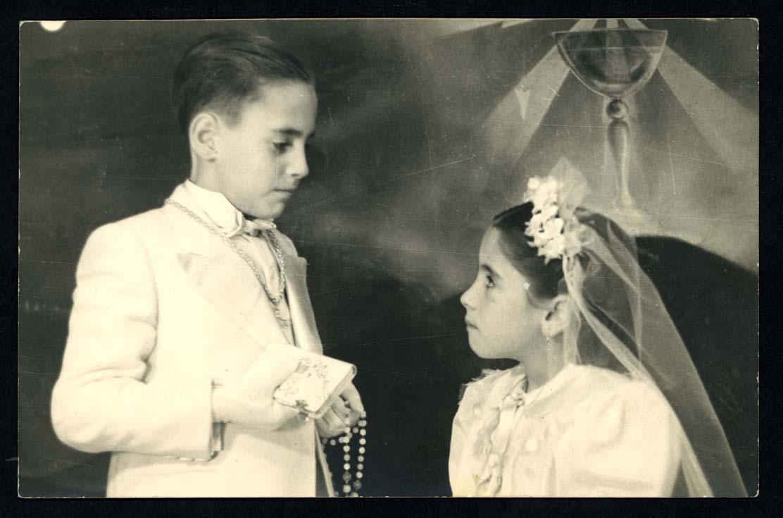 Francisco y Ana Mª Pierna vestidos de comunión