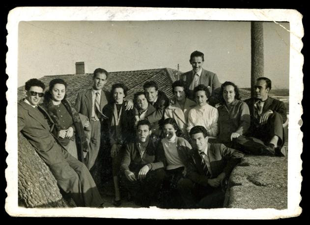 Antonio Sánchez con su esposa Laly García y amigos en Aldeaseca de la Frontera