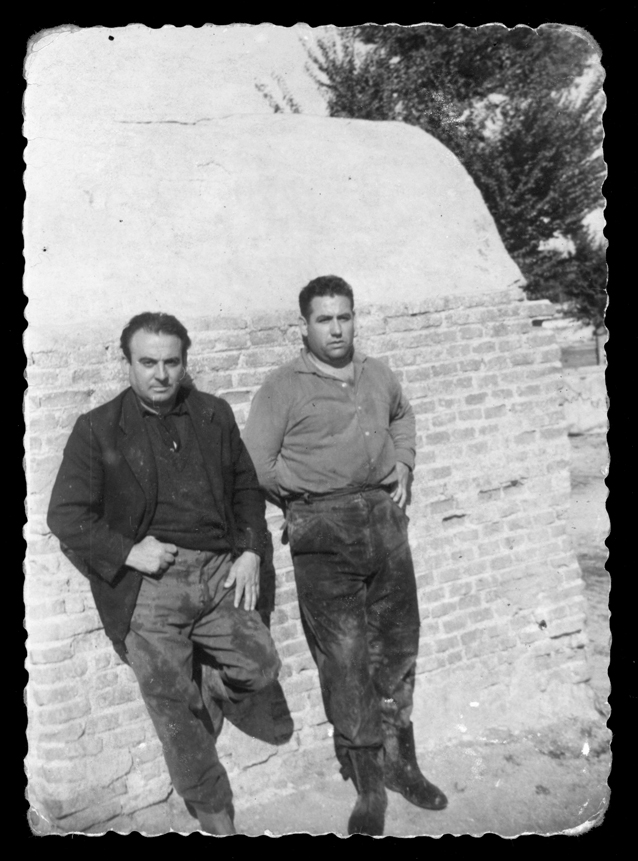 Antonio Sánchez y su amigo Jero en la caseta de la charca en Peñaranda de Bracamonte