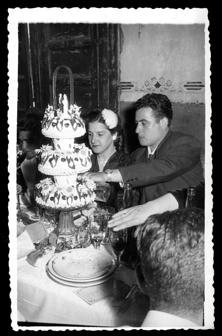 Laly García y su marido en el banquete de su boda en Peñaranda de Bracamonte