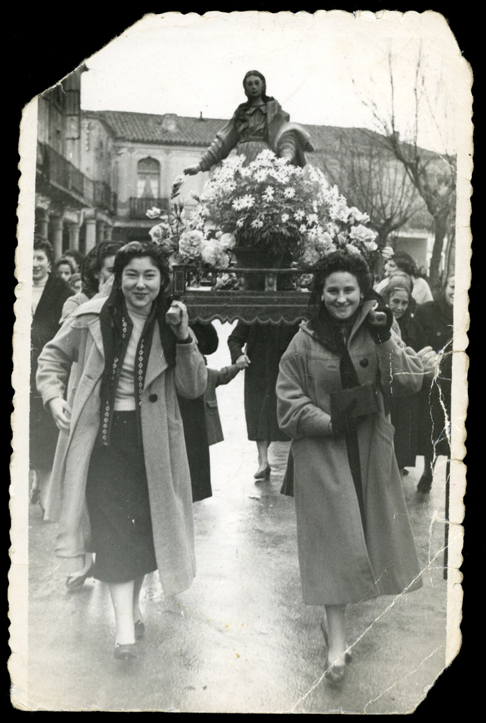 Gertrudis Ramos en la procesión de Santa Lucía en Peñaranda de Bracamonte