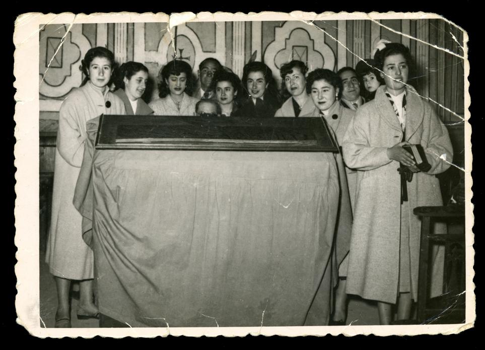 Gertrudis Ramos en un coro de una boda en Peñaranda de Bracamonte