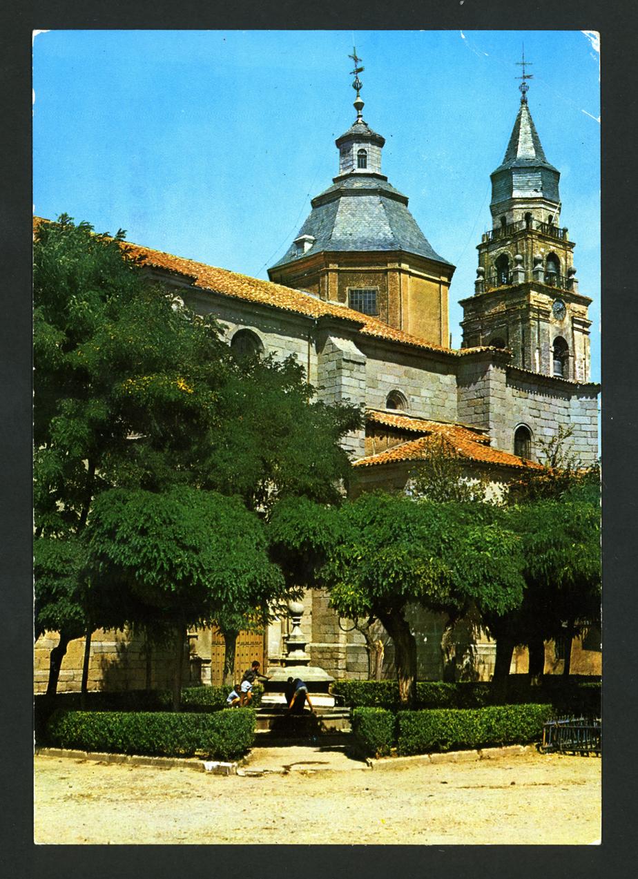 Fuente de los Cuatro Caños e Iglesia de San Miguel de Peñaranda de Bracamonte
