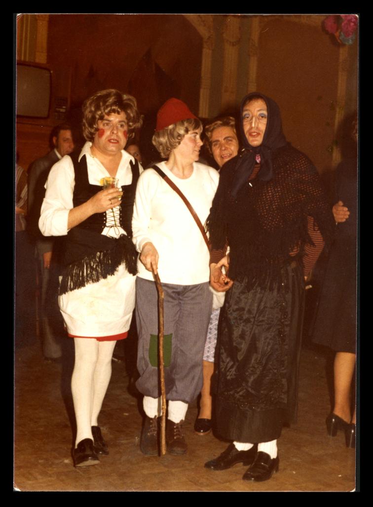 Jesús Villoldo, Mª Luisa Díaz y Alfredo Matallana disfrazados en Carnaval