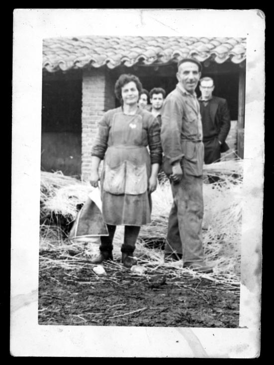 Fidel Alfayate y Braulia Pérez en el matadero municipal en Peñaranda de Bracamonte
