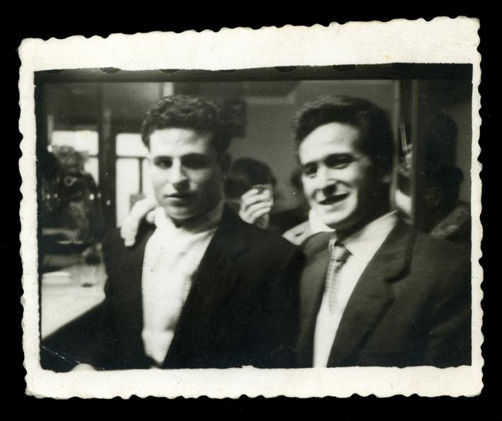 Marcelino Sáez y su primo en un bar en Peñaranda de Bracamonte